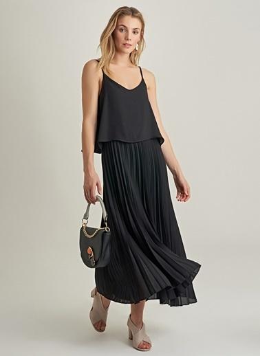 NGSTYLE Askılı Piliseli Elbise Siyah